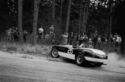 Sterling Edwards has a moment with his Ferarri 340 in 1954: Photo: Ralph Poole